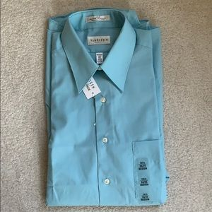 Van Huesen Men's Dress Shirt - Medium 15.5 - blue